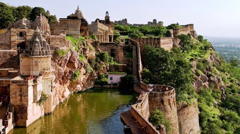 Chittorgarh-Fort-Pond